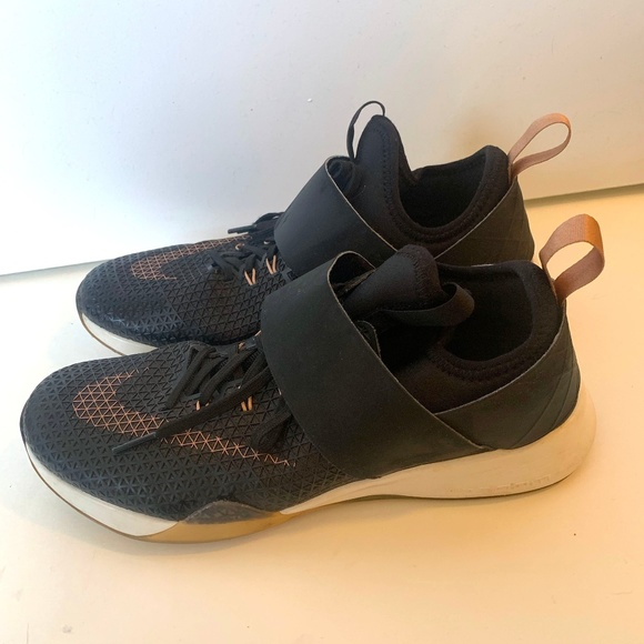 Nike Air Zoom Strong With Velcro Strap